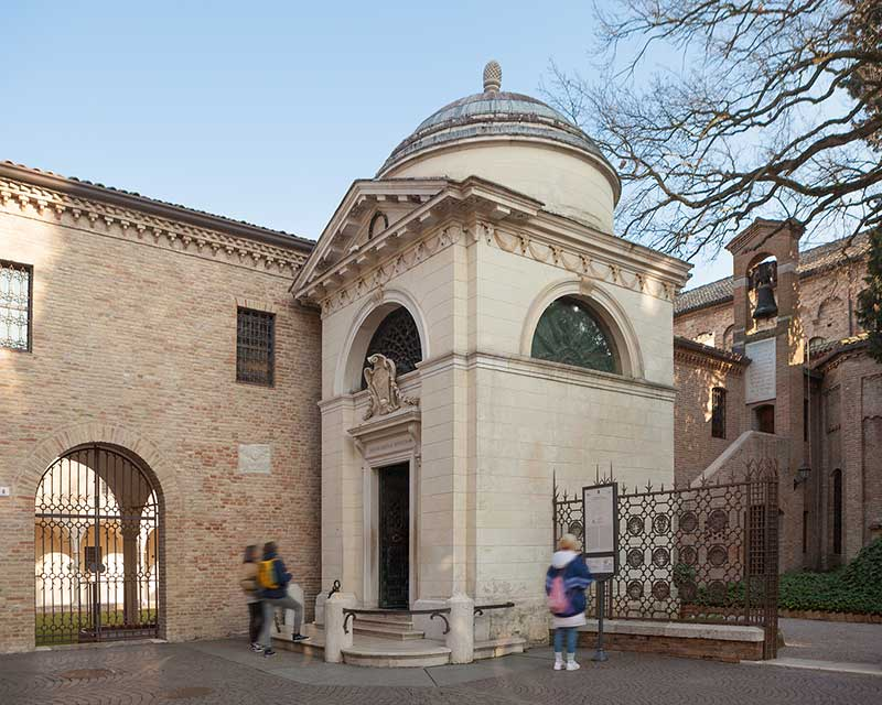 Tomba di Dante a Ravenna